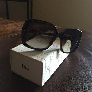 Christian Dior Sunnies